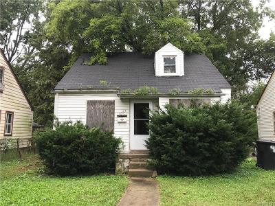 Detroit Single Family Home For Sale: 9353 Minock Street