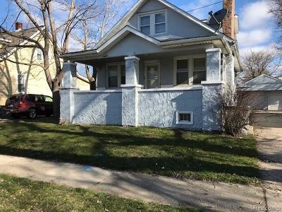 Warren Single Family Home For Sale: 7615 Yacht Avenue