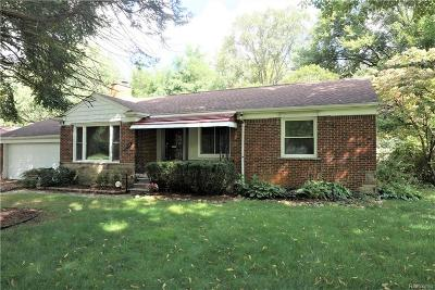 Southfield Single Family Home For Sale: 23640 Lee Baker Drive