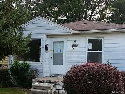 Lincoln Park MI Single Family Home For Sale: $55,200
