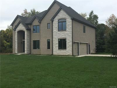 Bloomfield Hills MI Single Family Home For Sale: $669,900