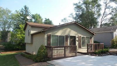 Waterford Twp Single Family Home For Sale: 2824 Rowan Boulevard