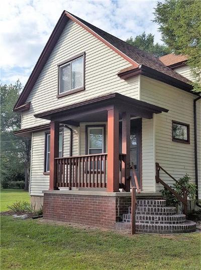 Southfield Single Family Home For Sale: 22945 Leewright Avenue