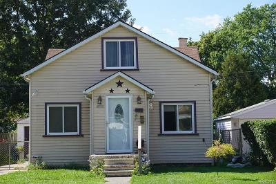 Dearborn Heights Single Family Home For Sale: 4920 Detroit Street