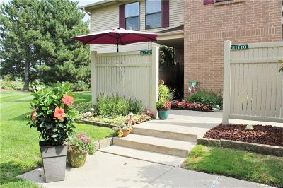 South Lyon Condo/Townhouse For Sale: 61120 Greenwood Drive