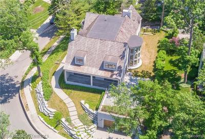 Birmingham Single Family Home For Sale: 588 Brookside Avenue