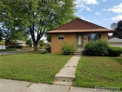 Dearborn Heights Single Family Home For Sale: 25048 Hass Street
