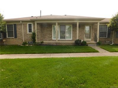 Macomb Twp Condo/Townhouse For Sale: 50199 Decook Court
