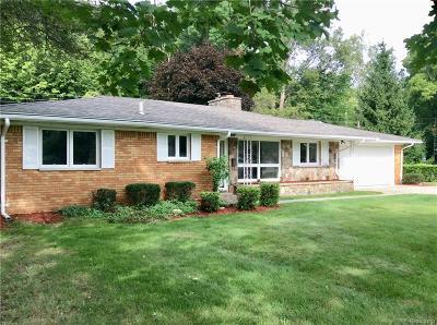 Farmington Hills Single Family Home For Sale: 24885 Lakeland Street