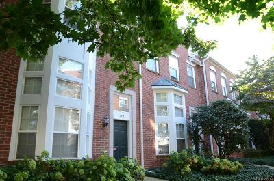 Royal Oak Condo/Townhouse For Sale: 112 S Georgetown Square