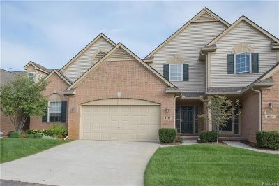 White Lake Condo/Townhouse For Sale: 8220 Springdale Dr #108
