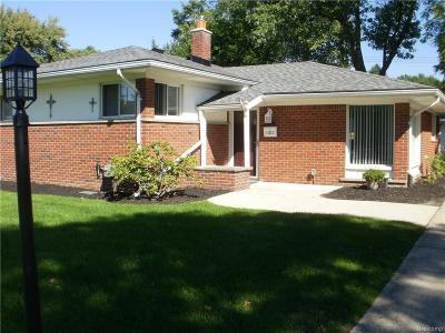 Livonia MI Single Family Home For Sale: $205,000