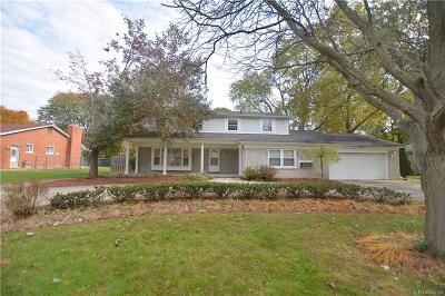 Farmington Hills Single Family Home For Sale: 25342 Wykeshire Road