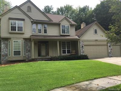 Commerce Twp Single Family Home For Sale: 2350 Glenwood Court