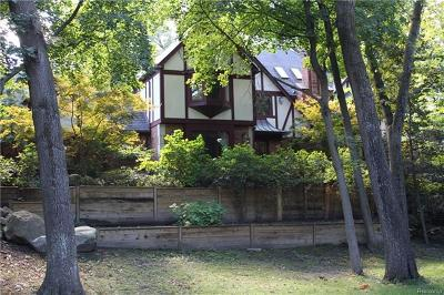 Bloomfield Twp Single Family Home For Sale: 1199 Copperwood Drive