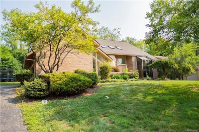 West Bloomfield, West Bloomfield Twp Single Family Home For Sale: 3184 Chambord Drive