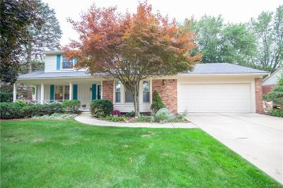 Farmington Hills Single Family Home For Sale: 35473 Old Homestead Drive
