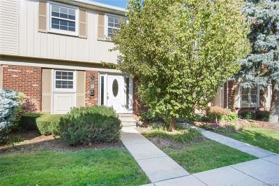 TROY Condo/Townhouse For Sale: 1726 Brentwood Drive