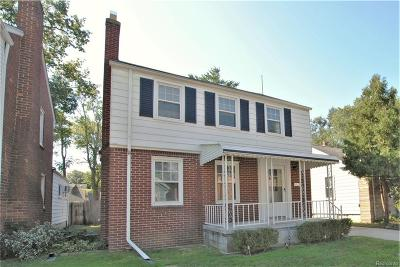 Ferndale Single Family Home For Sale: 210 E Oakridge Street