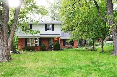 Bloomfield Twp Single Family Home For Sale: 2434 Bratton Avenue N