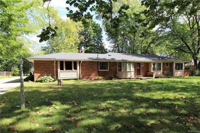 Bloomfield Twp Single Family Home For Sale: 343 Wadsworth Lane