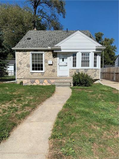 Royal Oak Single Family Home For Sale: 505 E Twelve Mile Road