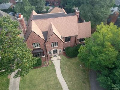 Detroit Single Family Home For Sale: 19180 Canterbury Road