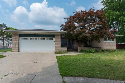 Warren Single Family Home For Sale: 30733 Lund Avenue