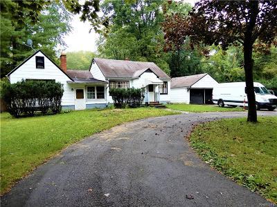 Southfield Single Family Home For Sale: 21225 Berg Road