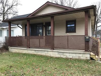 Hazel Park Single Family Home For Sale: 363 W Maxlow Avenue
