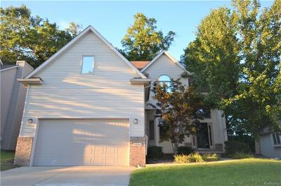 Brighton Single Family Home For Sale: 1055 Long Leaf Court