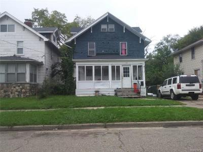 Pontiac Single Family Home For Sale: 169 Summit Street