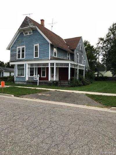 South Lyon MI Single Family Home For Sale: $155,000