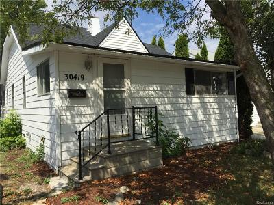 Madison Heights MI Single Family Home For Sale: $109,900