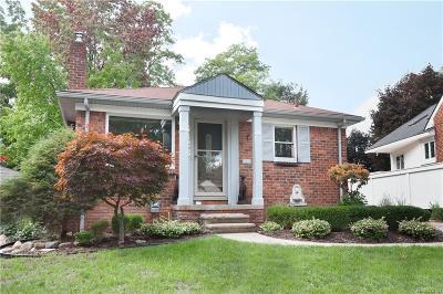 Royal Oak Single Family Home For Sale: 4423 Elmwood Avenue