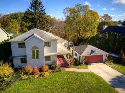 Waterford Twp Single Family Home For Sale: 77 Leota Boulevard