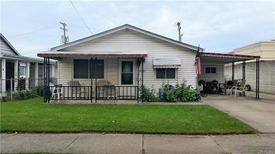 Madison Heights MI Single Family Home For Sale: $114,900