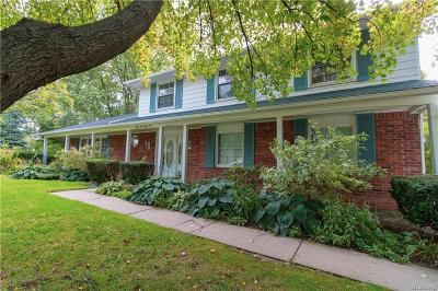 Bloomfield Twp Single Family Home For Sale: 2223 Colonial Park Court