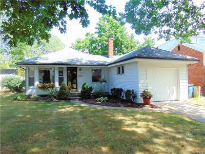 Royal Oak Single Family Home For Sale: 4402 Berkshire Road