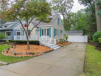 Keego Harbor, Sylvan Lake Single Family Home For Sale: 1465 Rosedale Avenue