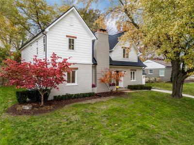 Rochester Hills, Rochester Single Family Home For Sale: 301 Charles Road