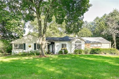Bloomfield Twp Single Family Home For Sale: 4145 Orchard Hill Drive