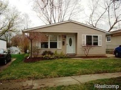Pontiac Single Family Home For Sale: 158 W Beverly Avenue W