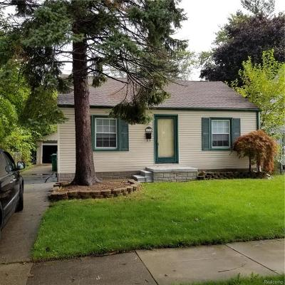 Eastpointe Single Family Home For Sale: 21724 Normandy Avenue