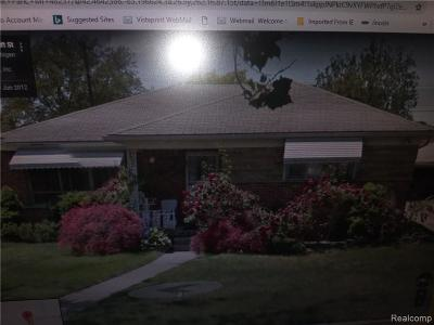 Oak Park Single Family Home For Sale: 23551 Radclift Street