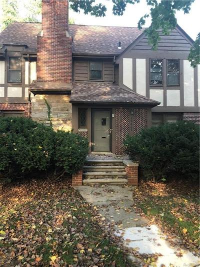 Detroit Single Family Home For Sale: 19620 Roslyn Road