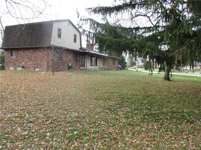 Shelby Twp MI Single Family Home For Sale: $273,900