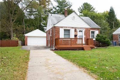 Oakland County, Macomb County, Wayne County Single Family Home For Sale: 19926 Lennane