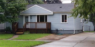 Hazel Park Single Family Home For Sale: 630 E Woodward Heights Boulevard