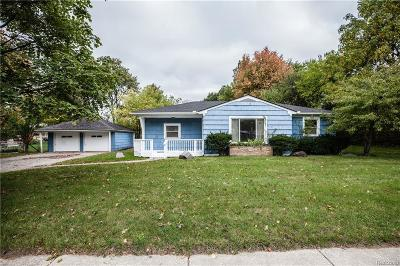 Waterford Single Family Home For Sale: 3700 W Walton Boulevard